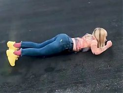 Natasha Bedingfield – ass shaking loop