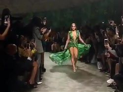 Jennifer Lopez in skimpy green dress, 2019. 01