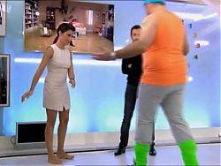 la Belle Alessandra en 2012, jolies jambes, sans soutif